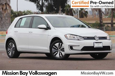 Certified Pre-Owned 2017 Volkswagen e-Golf SE